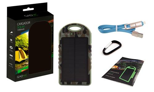 Cargador Solar Gadnic 13000 mAh Waterproof se entrega con estos accesorios